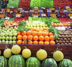 Limportance-des-circuits-courts-pour-une-alimentation-saine-et-riche-en-fruits-et-legumes-300x280