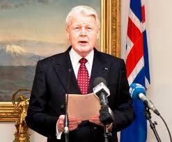 Olafur Grimsson réélu président de l'Islande contre sa volonté, pour avoir défendu les intérêts du peuple