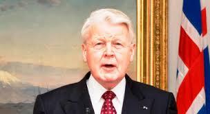 Olafur Grimsson réélu président de l'Islande contre sa volonté