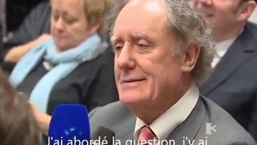 Un représentant de la BCE malmené par un journaliste irlandais